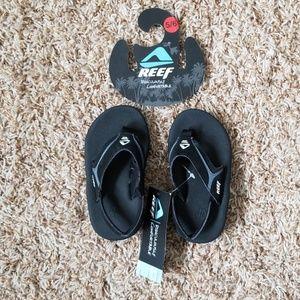 NWT  Kid's Reef Slap II Sandals